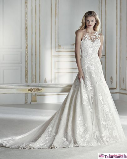 در ابتدا بهتر است فقط محو تماشای خطوط توری و گیپور گلدوزی شده خاص این لباس عروسی شوید. لباسی که به نحوی گلدوزی شده است که حالتی درخشان به خود گرفته است. این لباس به نحوی طراحی شده است که انگار این طراحی های زیبا بر روی پوست حکاکی شده است.