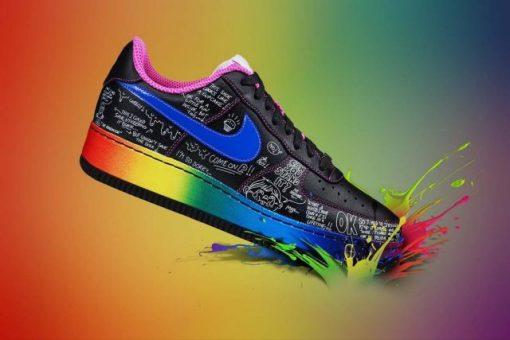 کفش های رنگی را با چه لباس هایی ست کنیم؟