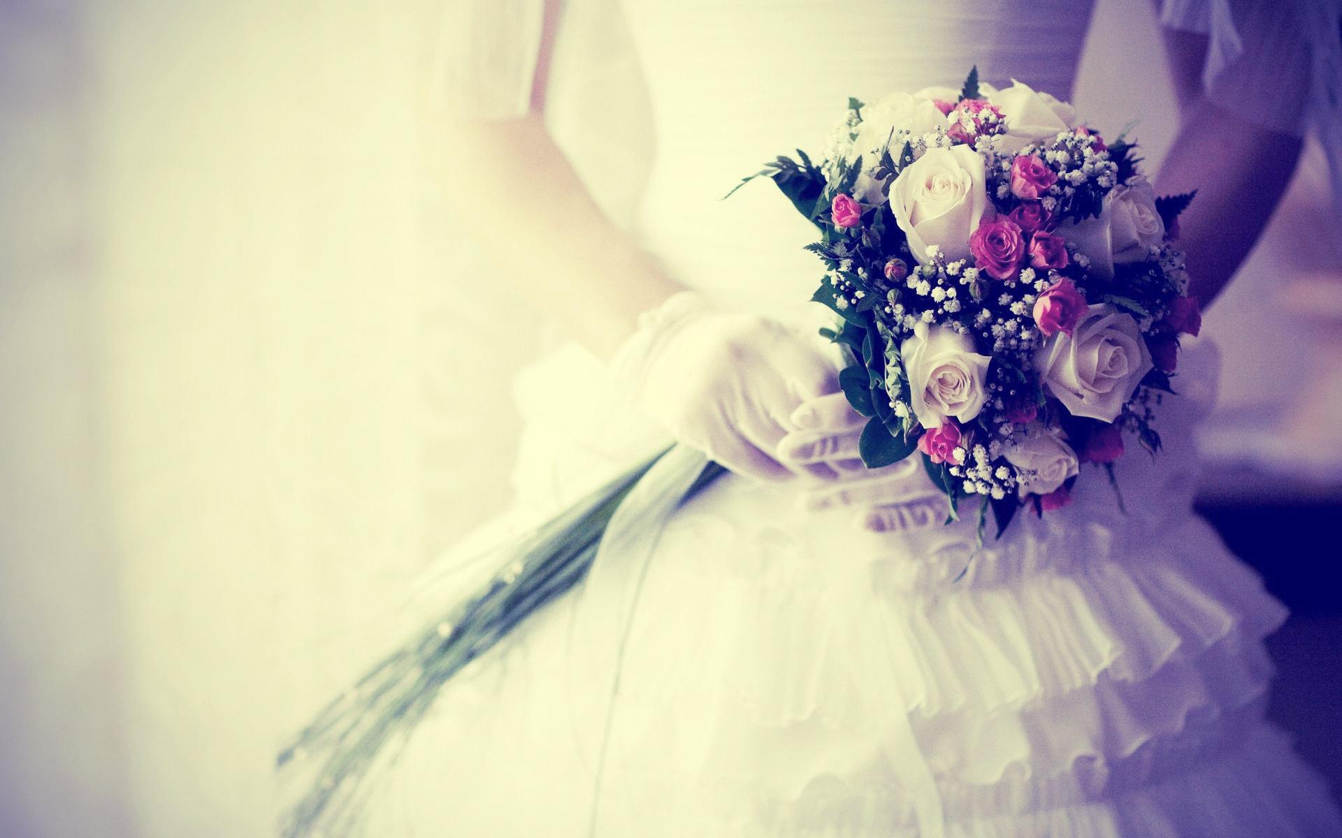 مزون لباس عروس پرنیا کرج