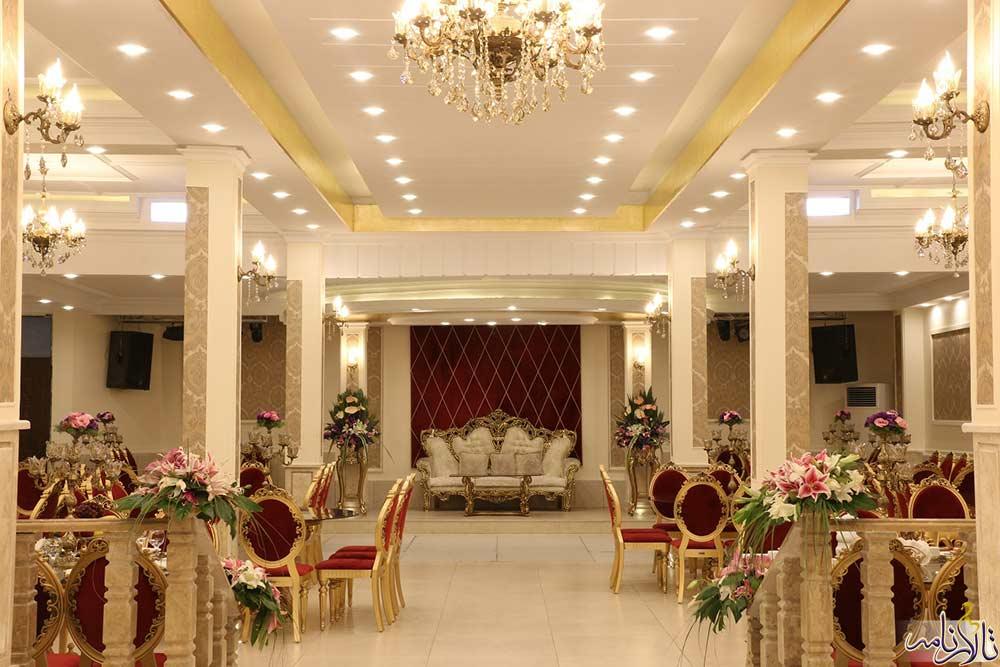 تالار پذیرایی قصر بابا بزرگ کرج