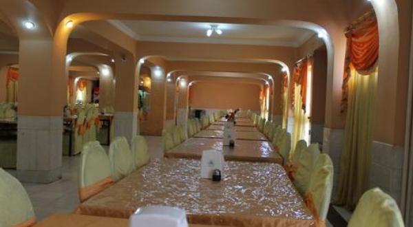 تالار یاس سفید اصفهان